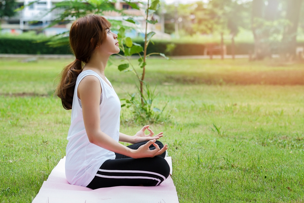 วิธีรับมือ ความเครียด-ฝึกกำหนดลมหายใจ