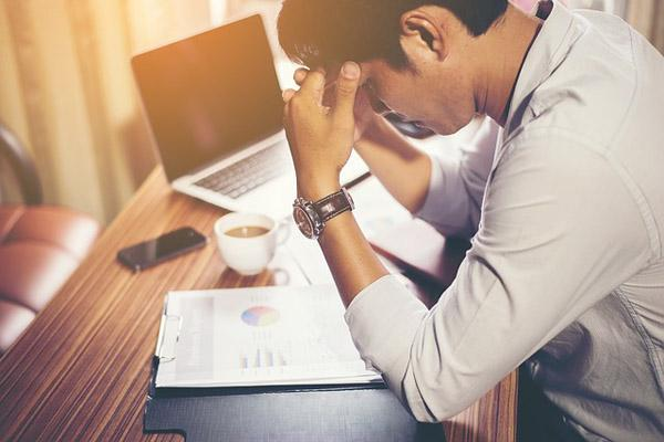 5 สิ่งห้ามทำก่อนนอน  มีความเครียดก่อนนอน